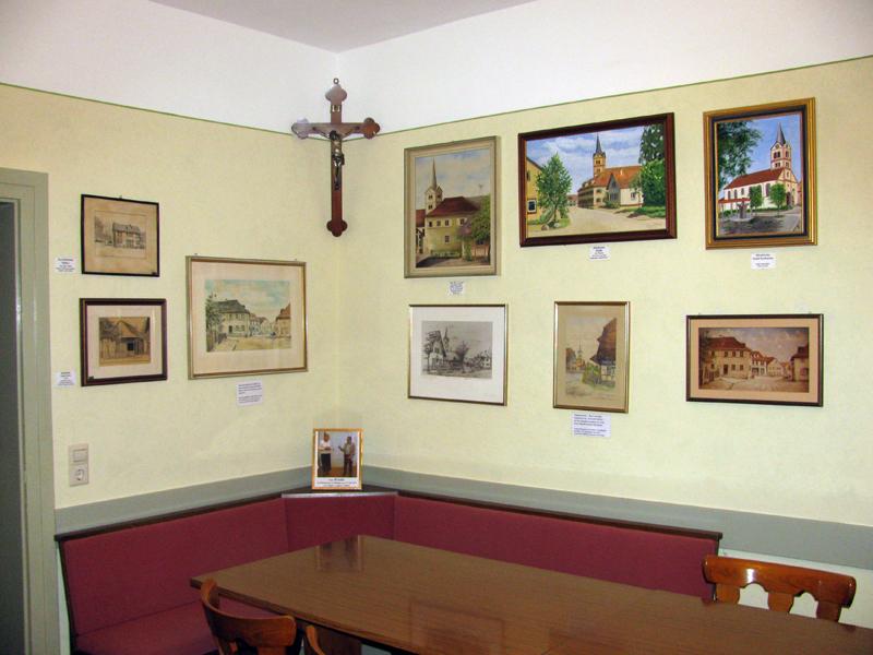 Der von Maler Hommes frich gestrichene Raum, im alten Stiel